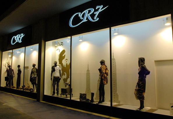 Cristiano+Ronaldo+Family+Attend+CR7+Opening+AIaTJPL5z1-l