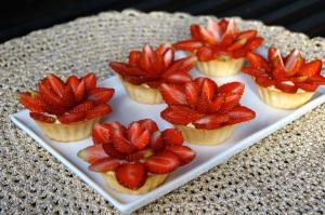 Fresh Strawberry & Custard Tarts